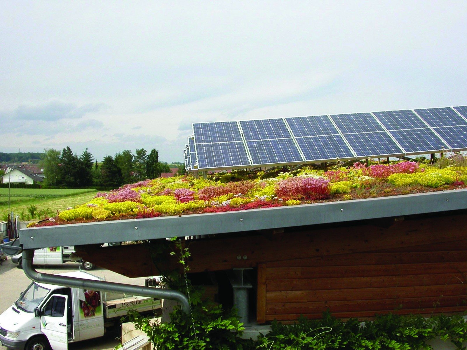 Green Roof Amp Solar System Zinco Canada